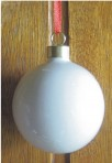 "HQ15 2.5"" Christmas bauble + fitting"